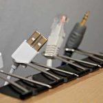 Pinces à dessin pour organiser les câbles