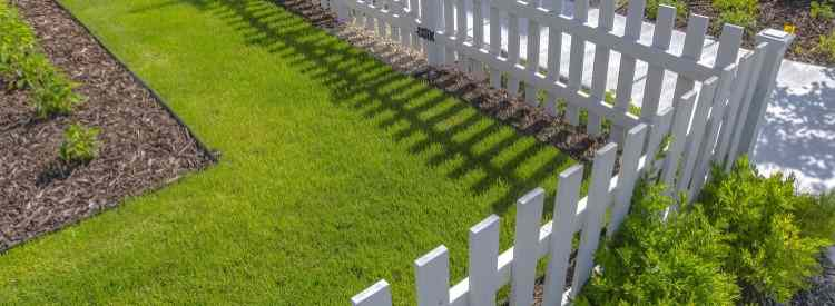 cloture pvc jardin